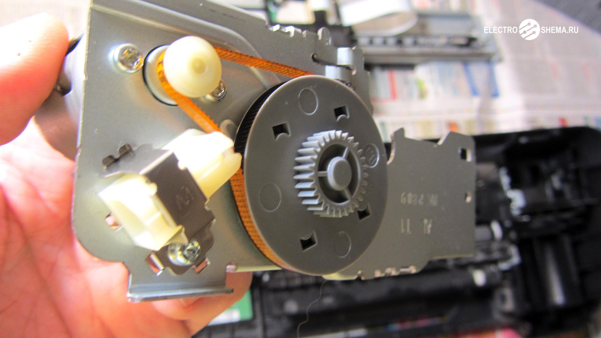 Двигатель C9000-60005 вместе с редуктором