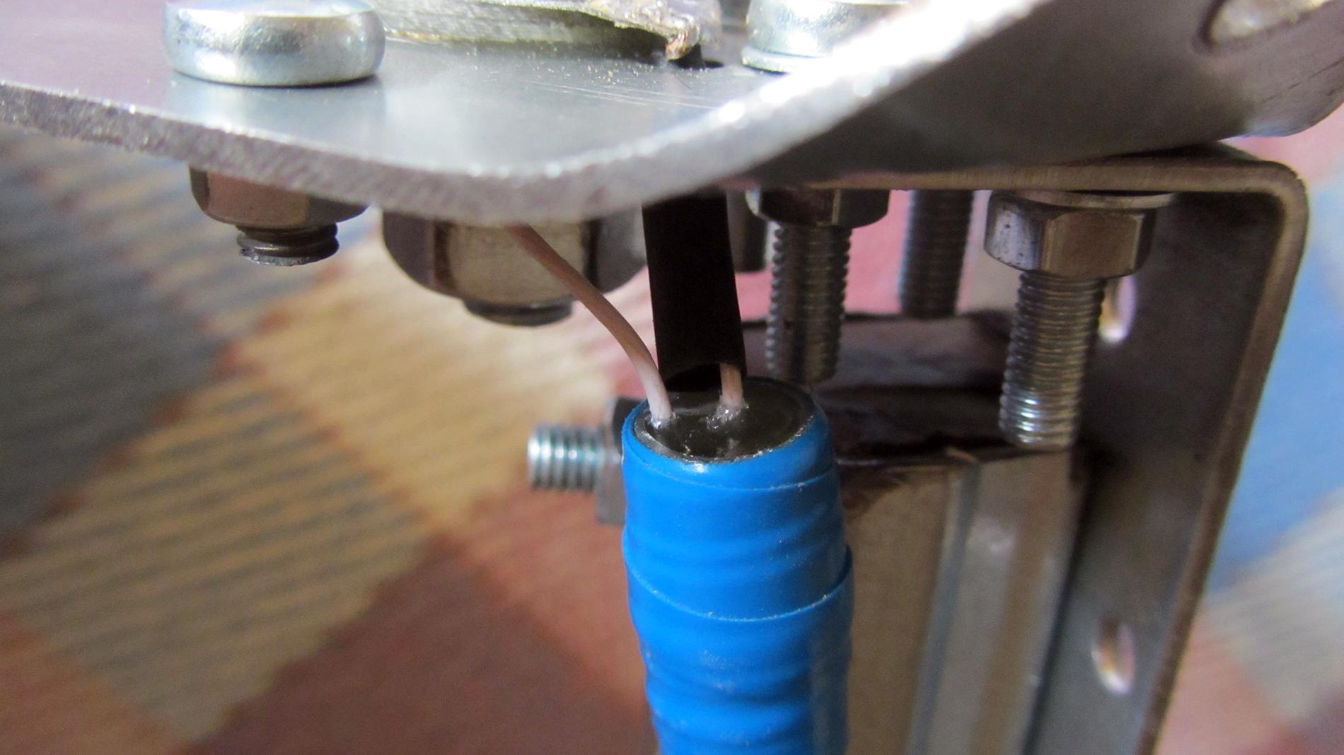 Как загерметизировать конец кабеля